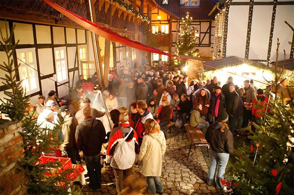 Weihnachtsmarkt Wernigerode In Den Höfen.Weihnachtsmarkt Mandelholz Hotel Und Restaurant